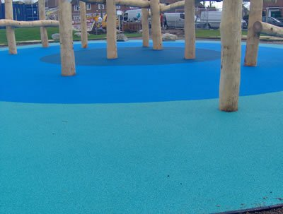 Multi-coloured wetpur rubberised safety surface