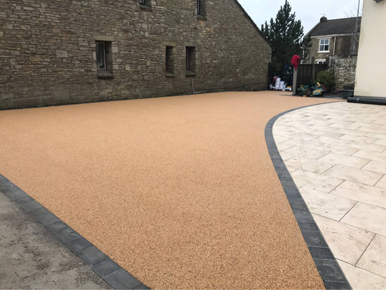 Residential driveway resin bound gravel surface